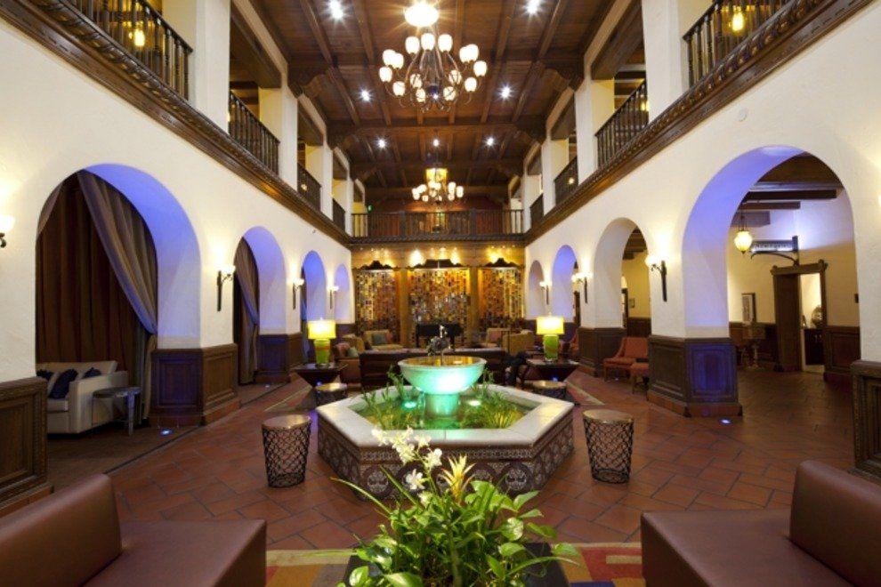 Albuquerque's Hotel Andaluz Celebrates History of Southwest Class