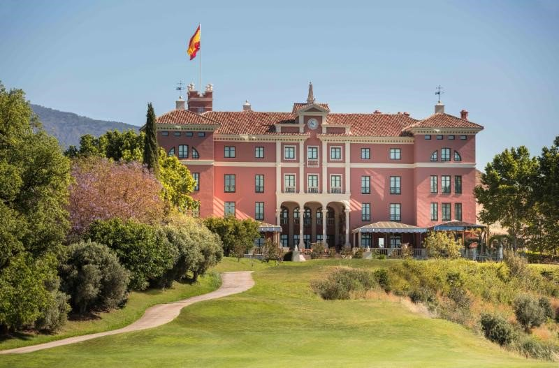Anantara Hotels Launches its First Luxury Hotel in Spain