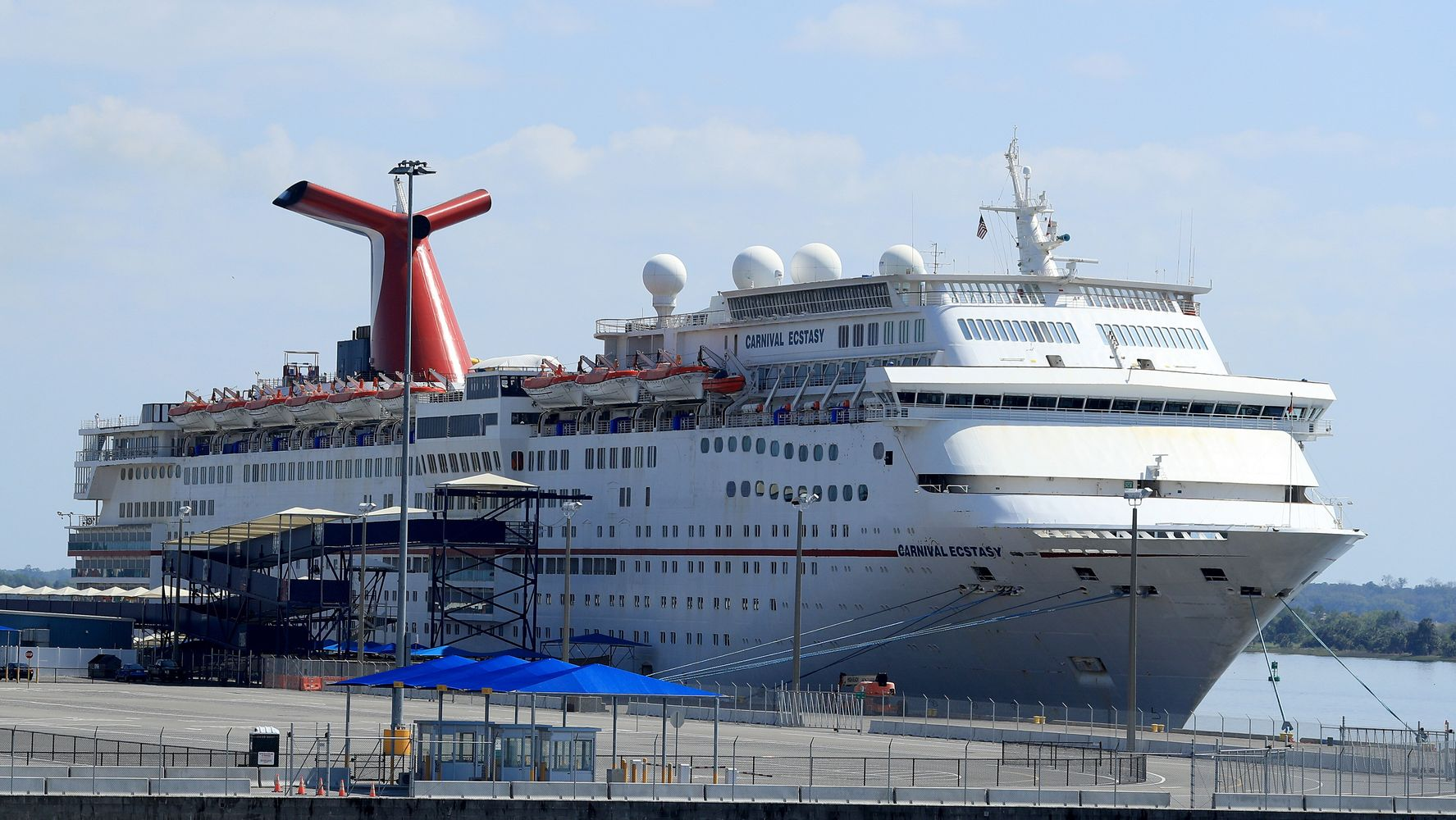Carnival Says It Plans To Resume U.S. Cruises By Midsummer