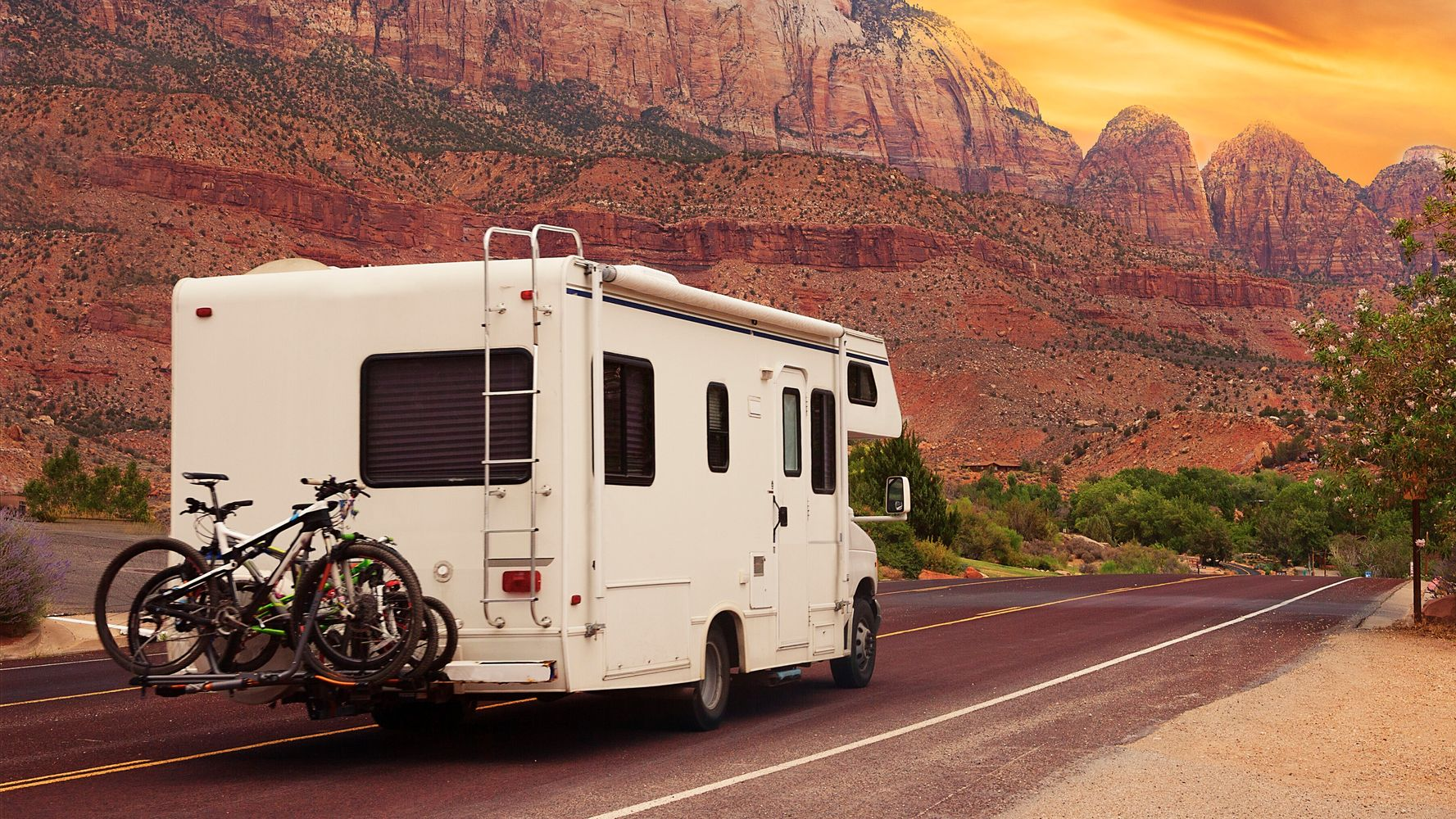 Renting Or Buying An RV This Summer? These 16 Tips Will Keep You Safe And Sane.